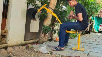 Photo of ધો.૧ર પાસ યુવાને બનાવ્યું ઇંધણ-વીજળી વિનાનું હેન્ડ મેઇડ મીની જેસીબી