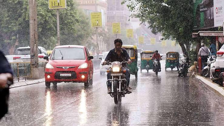 Photo of આણંદ-ખેડા જિલ્લા સહિત સમગ્ર રાજ્ય માં આગામી 5 દિવસમાં ભારે વરસાદની આગાહી:રાહત કમિશ્નરએ યોજી બેઠક
