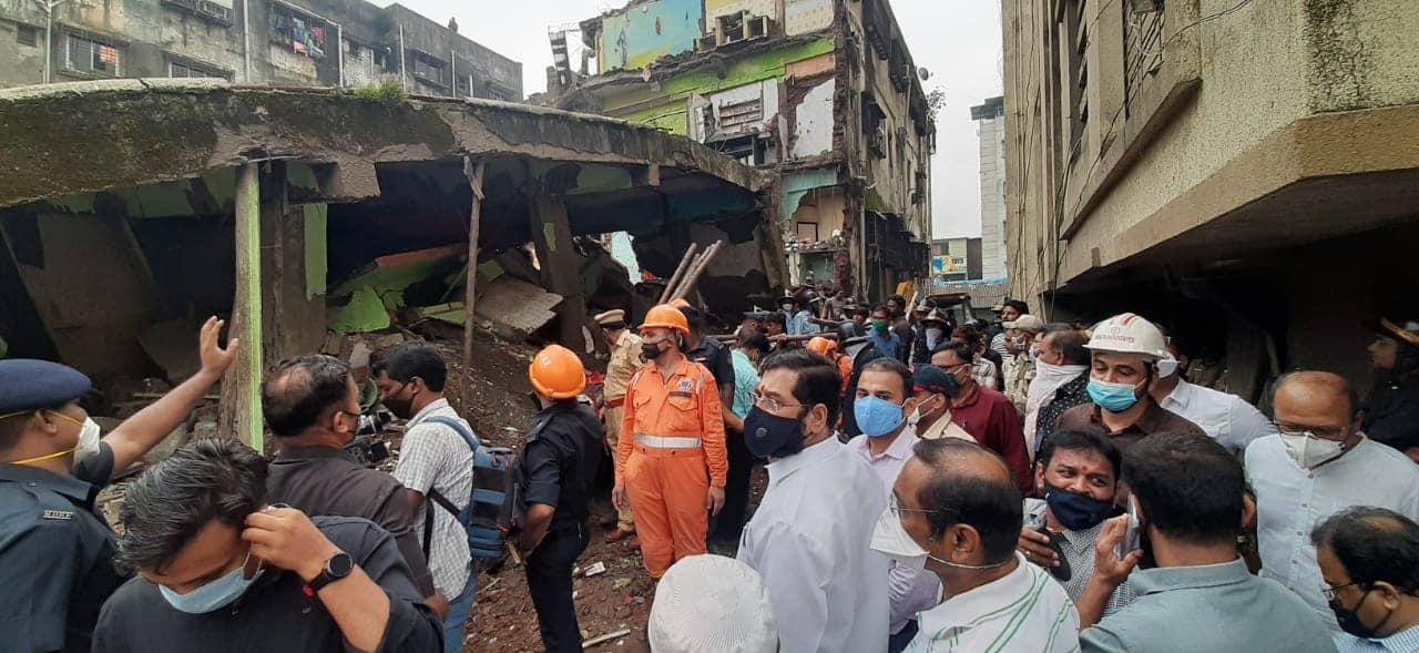 Photo of મુંબઇના ભીવંડીમાં બનાવ, ૧૦ લોકોના મોત ત્રણ માળની ઇમારત પડી
