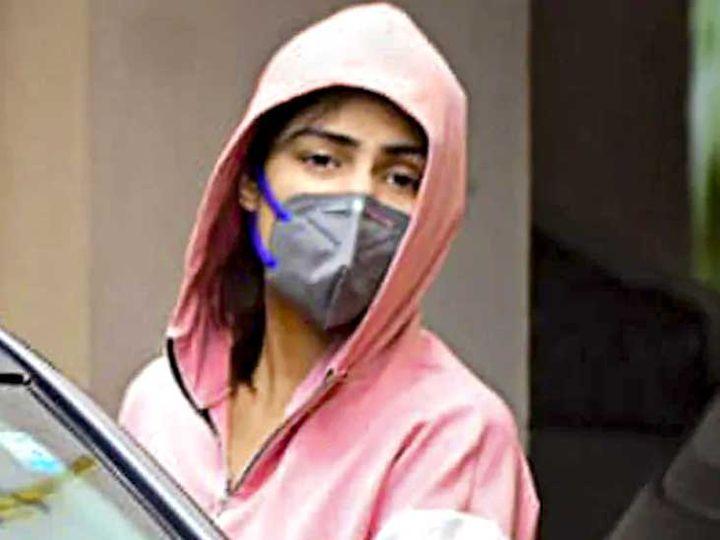 Photo of રિયા ચક્રવર્તીની ધરપકડ, ડ્રગ્સ કેસમાં ત્રણ દિવસની પૂછપરછ બાદ NCBએ અરેસ્ટ કરી